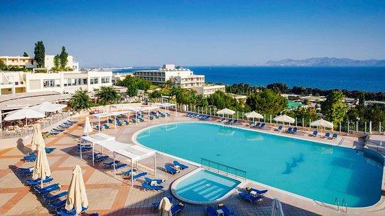 Kipriotis Hotels: Enticing pool for guests