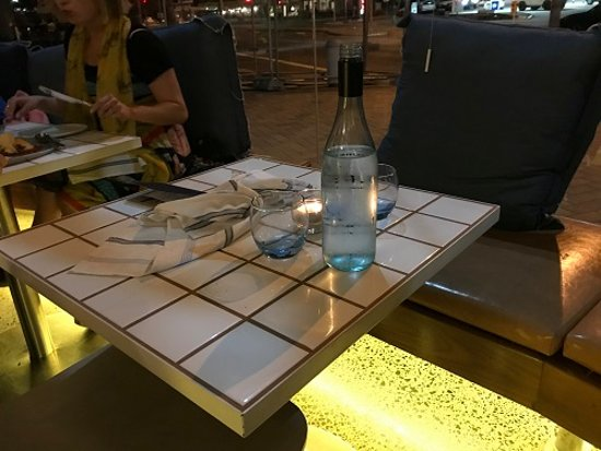 Newport, Australia: Table seating for two