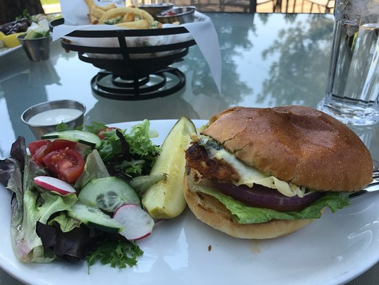 Clio, Califórnia: Delicious chicken sandwich - memorable