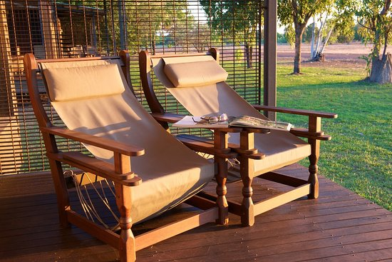 Wildman Wilderness Lodge : Enjoying the afternoon sunset on the deck of your habitat.