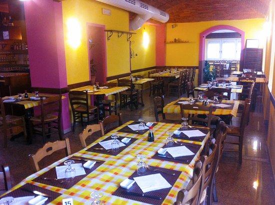Pont-Saint-Martin, Italien: Seconda sala da pranzo e cena con angolo Bar del Ristorante Cinese Ting Nan