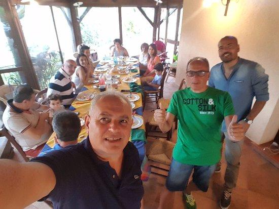 San Marco D'Alunzio, Italia: momenti del nostro pranzo a Villadele.....da favola