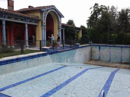 La piscina in stile liberty picture of park of villa - Liberty piscina cagliari ...