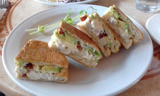 Midland, ออสเตรเลีย: Fab Chicken, Avocado & Camembert Focaccia!