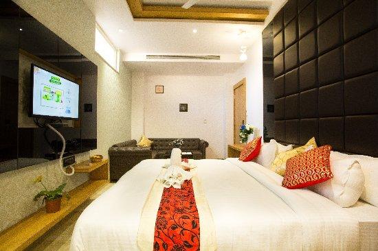 OYO 8561 Hotel Sun Park