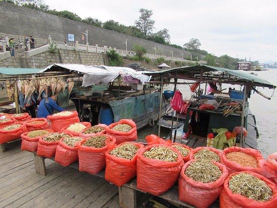 江西省贛州市: 古浮橋