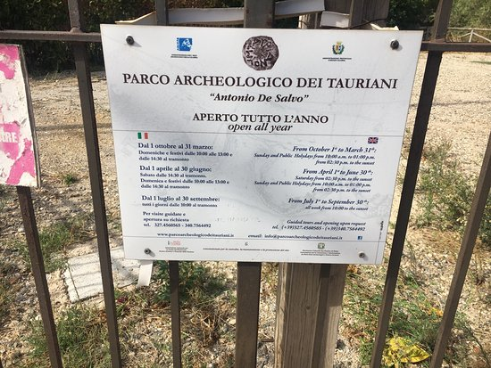 Parco Archeologico dei Tauriani: photo0.jpg
