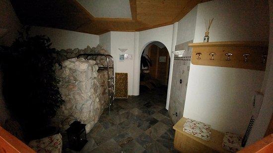 Sauna e Bagno Turco... - Picture of Garni Ai Pini, San Cassiano ...