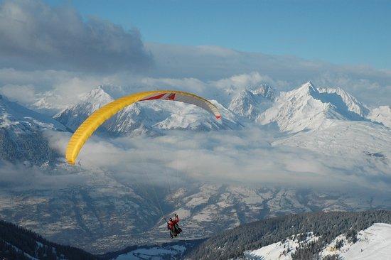 Macot-la-Plagne, France: Air La Plagne parapente, pour partir à l'aventure
