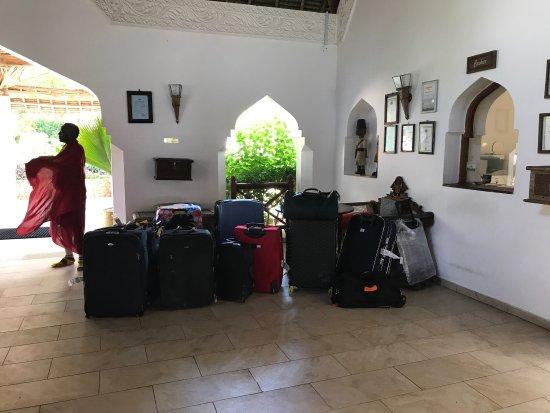 Sultan Sands Island Resort: Arrivo alle 10.30 fino alle ore 14 la camera non è disponibile (è il loro regolamento interno) o