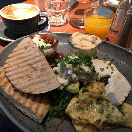 Photo of Austrian Restaurant Das Eduard at Sparkassaplatz 1, Vienna 1150, Austria