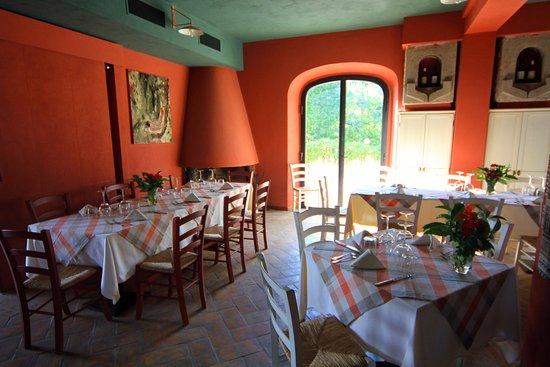 Castagneto Carducci, Itália: Sala interna