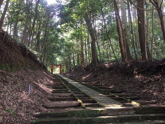 Kobayashi, ญี่ปุ่น: 風情ある長く緩やかな坂道階段