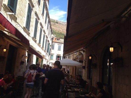 Trattoria Tezoro: the street