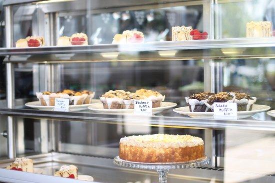 Gstadt am Chiemsee, Alemania: Kuchenbuffet in bagel&coffee CHIEMSEE