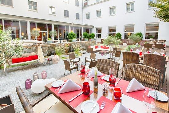 Leonardo Royal Hotel Mannheim: Terrace