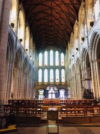 Ripon, UK: The Nave