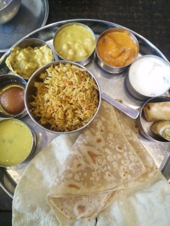 Southall, UK: Their North indian Thali