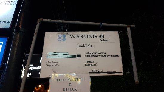 Warung Made Busana Bali: 20170919_210233_large.jpg