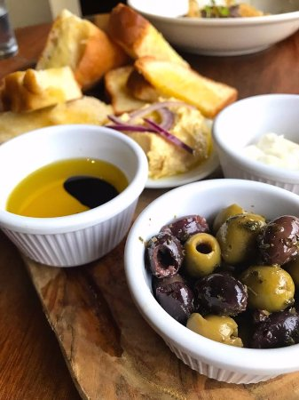 Hellaby, UK: Olives & Bread