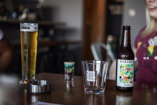 Gemeente Podgorica, Montenegro: kabinet beer adn alien brain shot.
