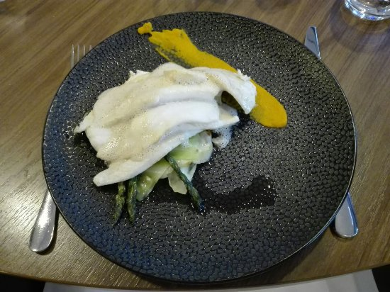 Wageningen, เนเธอร์แลนด์: Quite a big portion of plaice - the veggies underneath nicely cooked
