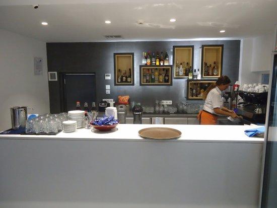 Athens Cypria Hotel: Bar e lanchonete