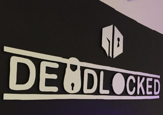 ‪Deadlocked Escape Rooms‬