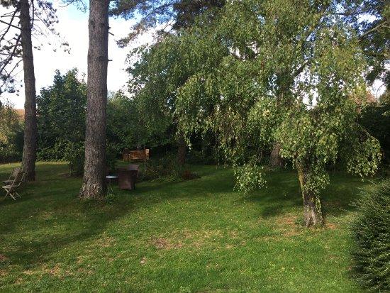 Celon, France: Étape au Canard au Parapluie Rouge