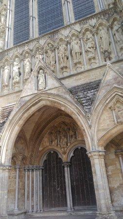 Salisbury, UK: Aussenansicht