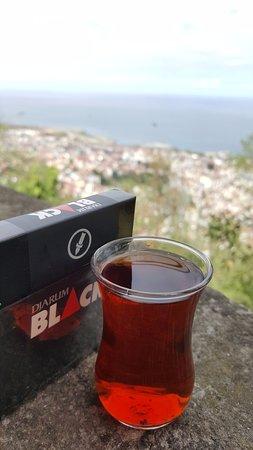 Boztepe: Çay sigara eşliğinde Trabzon ve deniz manzarası