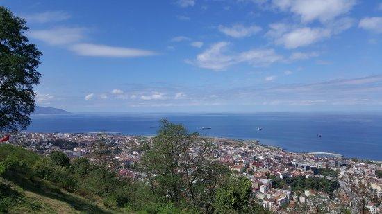 Boztepe: Hava açınca mavileşen karadeniz ve Trabzon manzarası