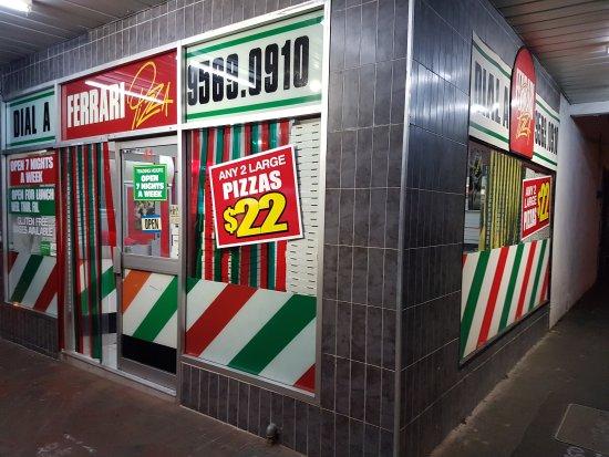 Oakleigh, Australia: Ferrari Pizza shop frontage