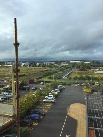 Premier Inn Edinburgh Park (The Gyle) Hotel: Brunch et vue depuis la chambre