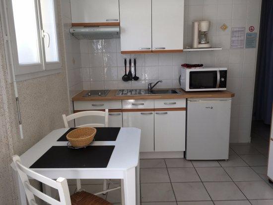 Hotel Residence Les Flots : Coin kitchenette studio