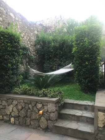 Villa Marina Capri Hotel & Spa: Hammock on our terrace - couldn't sit in it as wet and dirty