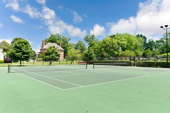The Historic Powhatan Resort: Tennis Courts