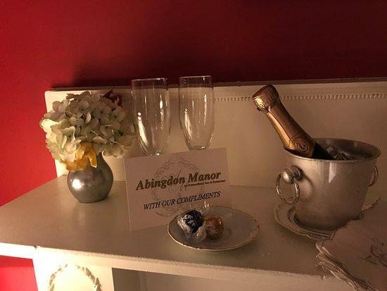 Latta, SC: Champagne