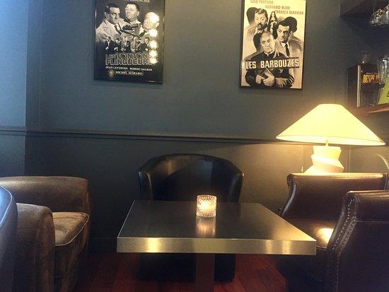 Nogent-sur-Marne, France: coin bar pour se détendre
