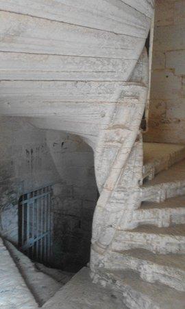 Rouffignac-Saint-Cernin-de-Reilhac, France: Escalera excepcional