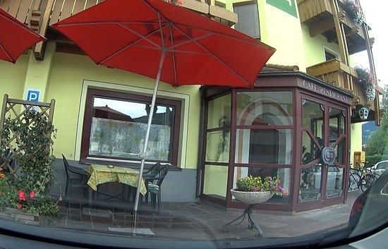 Dolomitenhotel: Der Eingang