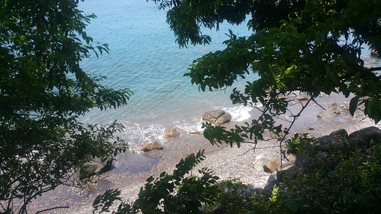 Roseau, Dominica: view from the eating area