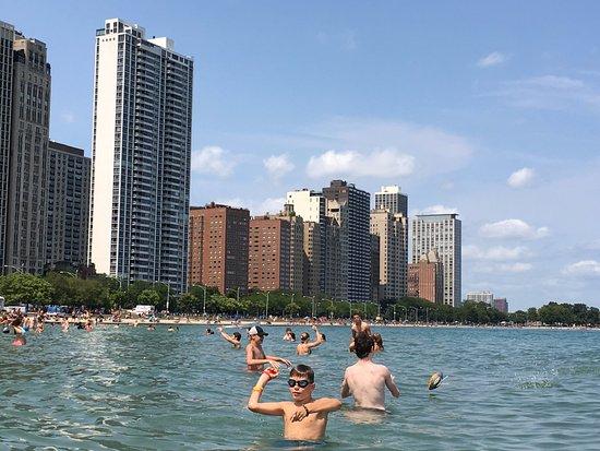 Oak Street Beach На пляже Оак стрит бич в Чикаго