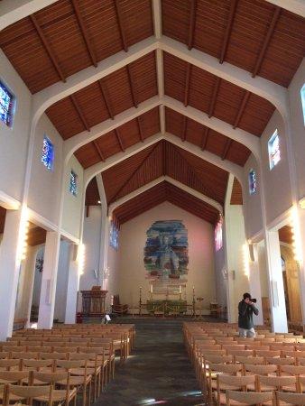 Fludir, Island: Inside the kirkja, or church