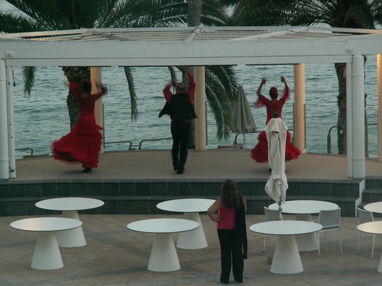 Radisson Blu Resort, Gran Canaria: evening flamenco show - view from the room balcony