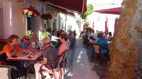Leran, Frankreich: A convivial meeting place