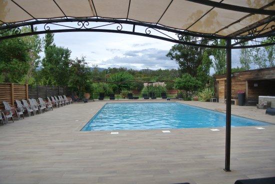 Hotel San Giovanni : piscine