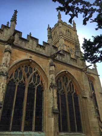 Cirencester, UK: Parish Church from Abbey Grounds