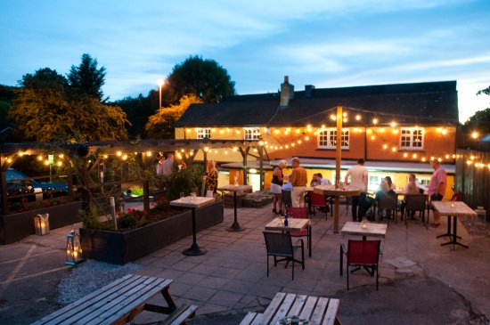 Caerleon, UK: lovely summer evening