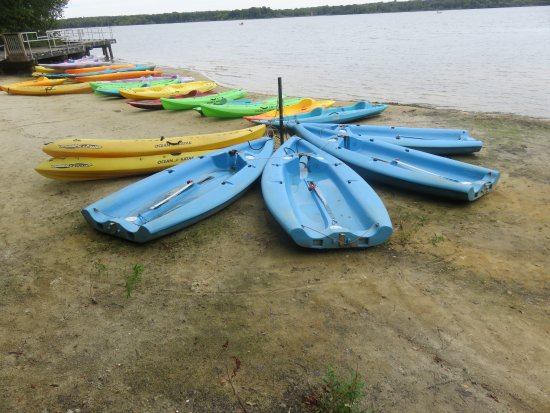 Howell, NJ: Boats and canoes for rent